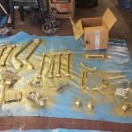 Fahrwerksstreben in Gold lackiert